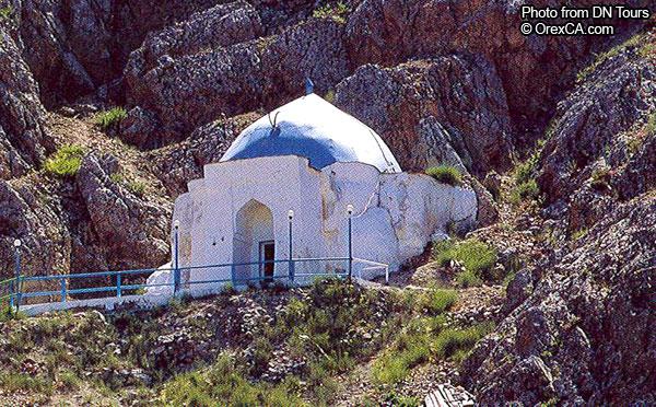 Paraw Bibi Shrine. 11-12 cc.