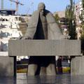 Statue of Tamanyan — Статуя Таманяна