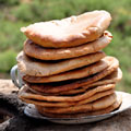 They  are so delicious, fresh  Uzbek lepeshkas!  —  Какие-же они вкусные, свежие узбекские лепешки!