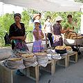 Fresh bread — www.geocities.jp/uzbekfriends/index.html