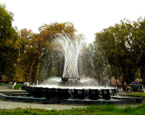 Fountains near Independence Square, Tashkent
