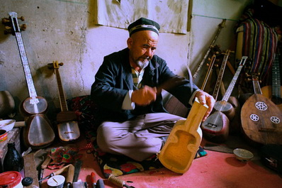 Kazakh culture: Handmade Musical Instruments
